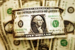 Dolar Menguat Rabu Pagi Didorong Ketegangan AS-Cina soal Hong Kong